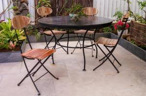 TABLE CALCAIRE